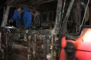 Неизвестный обстрелял изавтомата КамАЗ наТоксовском шоссе