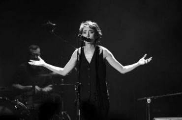 Земфира представила две новые песни наконцерте вДубае