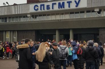 «Угрозы изФранции»: вПетербурге «заминировали» три вуза