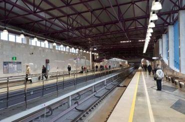 Станцией метро «Шушары» непользуются даже вчасы пик