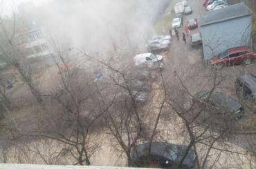 Машины наВитебском проспекте залило кипятком