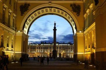 Петербург вошел втройку самых популярных городов России наНовый год