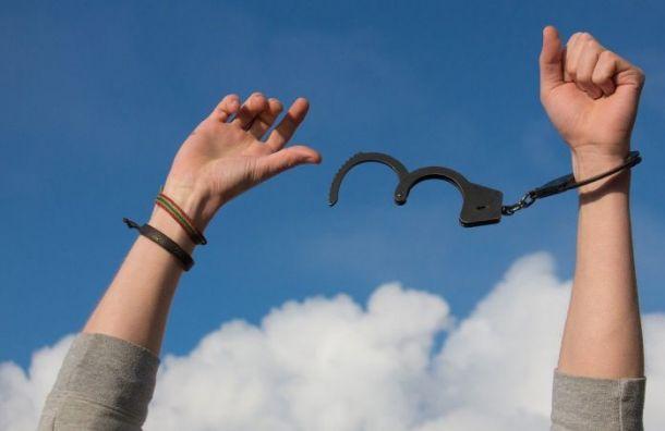 Спасателя, подозреваемого вубийстве, задержали вПулково