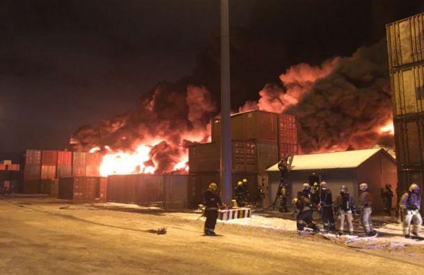 После локализации пожара ангар полностью разрушился