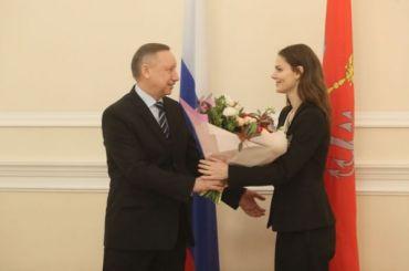Беглов наградил вСмольном Додина иБоярскую
