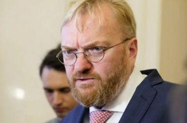 Милонов предложил наказывать водителей, злоупотребляющих «аварийкой»
