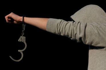 Заключенный сбежал изКалининского суда