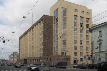 После стрельбы наЛубянке здание ФСБ вПетербурге превратили в«Крепость»