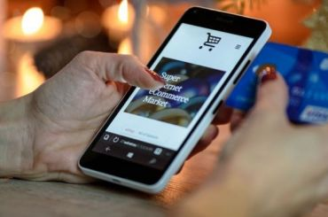 Минфин предложил снизить порог беспошлинного ввоза интернет-покупок до20евро