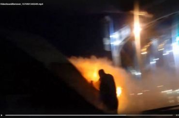 Маршрутка сгорела наБольшиохтинском мосту