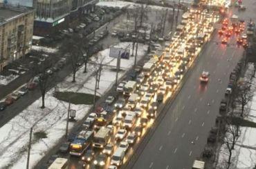 Авария спровоцировала затор наЛенинском проспекте