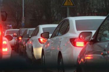 Водители второй день подряд стоят впробках наЗСД