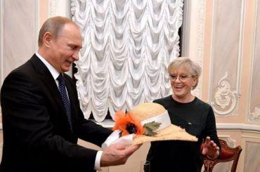 Путин поздравил Фрейндлих сюбилеем
