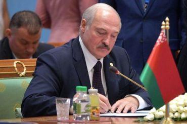 Лукашенко: Белоруссия никогда невойдет всостав России
