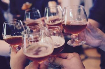 Россияне готовы потратить 3,7 тысяч рублей наалкоголь кНовому году
