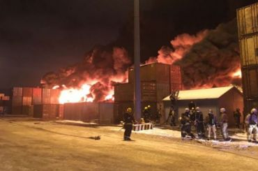 Ангар вШушарах обрушился из-за крупного пожара