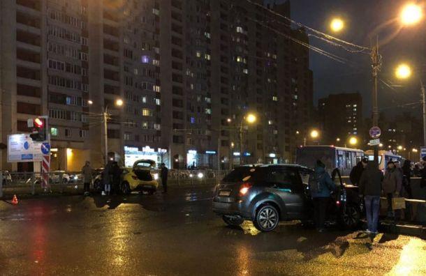 Пятеро пострадали врезультате ДТП наСавушкина
