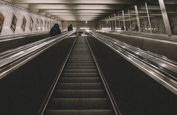 Станцию «Политехническая» закрыли навход