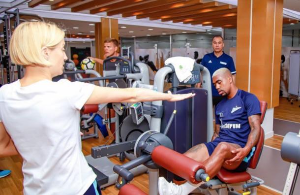 Кокорин начал тренироваться вмедицинском центре ФИФА вДубае