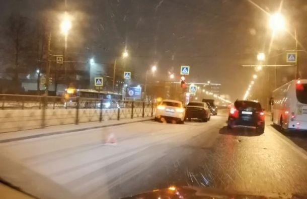 Из-за снегопада в Петербурге участились аварии