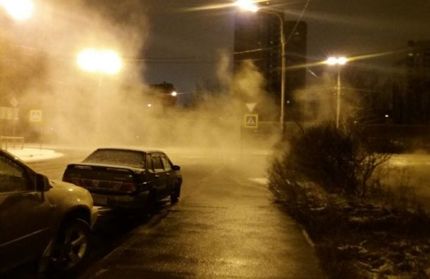Теплоэнергетики заменили трубу после прорыва наБрюсовской улице