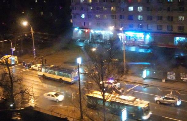Пешеход погиб под колесами иномарки напроспекте Тореза
