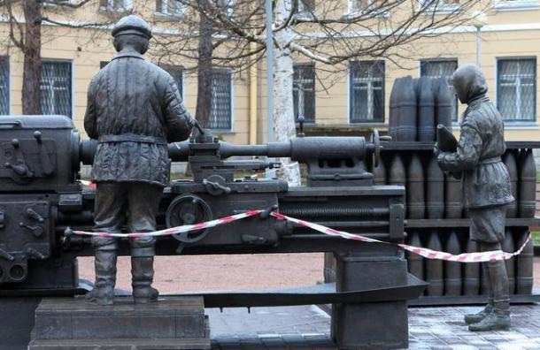 Вандалы повредили скульптуру «Дети войны»