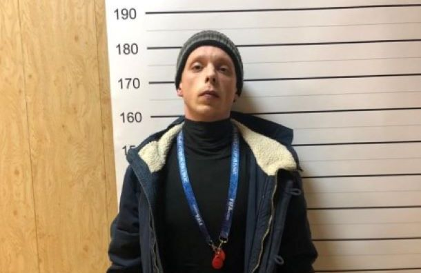 Стали известны подробности разбойного нападения надиректора школы