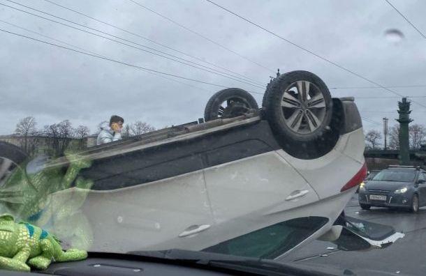 Грудной ребенок пострадал ваварии наУшаковском мосту