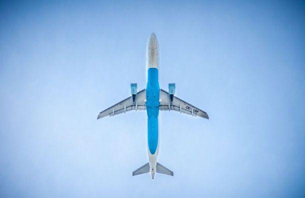 Самолет изПетербурга несмог долететь доМурманска из-за сильного ветра