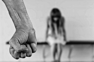 Пьяный мужчина 26 раз ударил свою жену после ссоры
