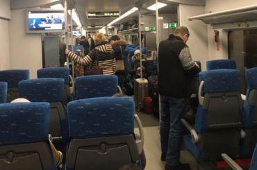 «Ласточка» изПскова вПетербург задержалась наполчаса