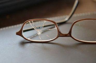 Петербуржец избил вресторане женщину исломал ейдорогие очки
