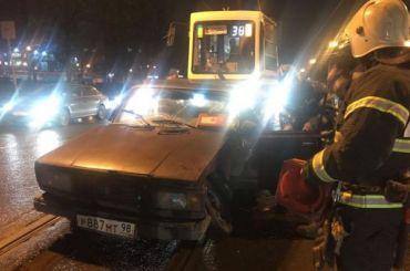 Авария напроспекте Науки парализовала движение трамваев