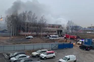 ВШушарах произошел крупный пожар вобщежитии для рабочих