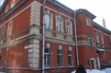 Родители учеников спортшколы вПарголово требуют отменить передачу здания РПЦ