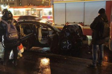 Два человека пострадали ваварии напересечении Просвещения иРуднева