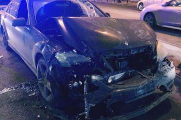 НаНевском случилось ДТП повине пьяного наавтомобиле Mercedes