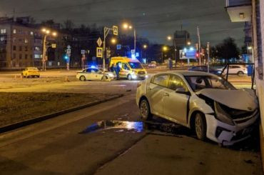 Два человека пострадали вДТП скаршерингом наулице Ленсовета