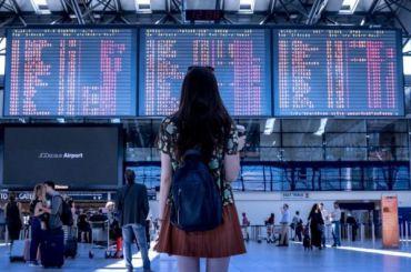 Самолет изЛондона неможет долететь доПетербурга больше 10 часов
