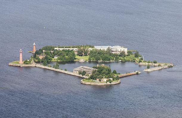 Кабмин выделил 2,3 млрд рублей нареконструкцию форта «Кроншлот»