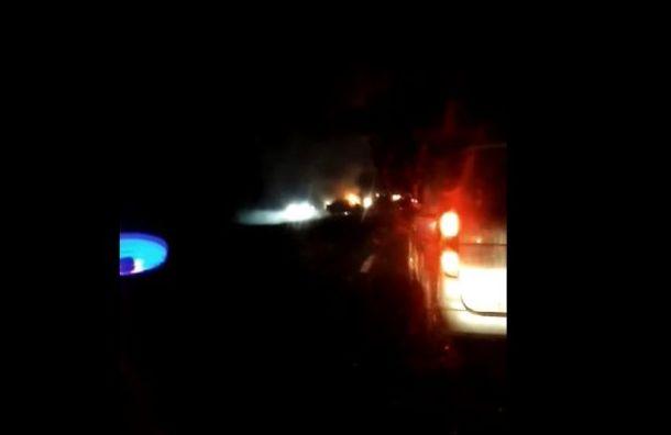Машины загорелись после аварии под Тосно