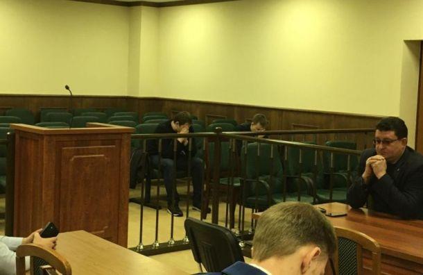 Колпинским полицейским вынесли приговор заизбиение подростка