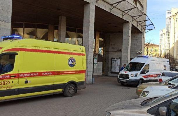 Неизвестные «заминировали» станцию «Площадь Александра Невского»