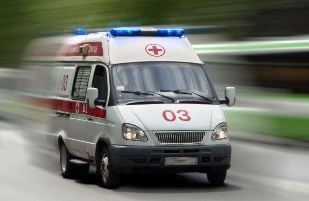 Жителя Мурманска вПетербурге ударили ножом заотказ дать прикурить