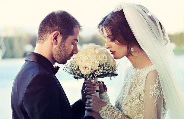 Более 900 иностранцев заключили брак вПетербурге в2019 году