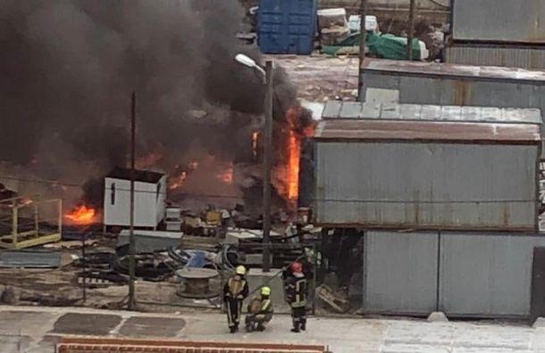 Бытовки вЖК «Новоорловский» загорелись после взрыва газа