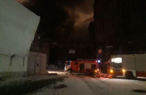 Сильный пожар наэкс-заводе «Красный треугольник» ликвидирован