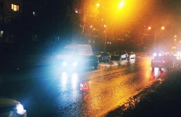 Пожилая женщина попала под машину наПланерной улице