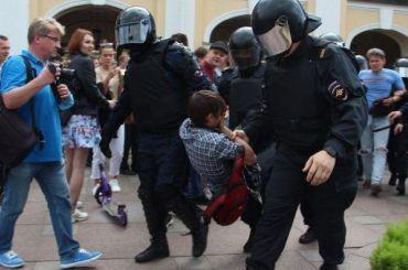 Росгвардейцев наказали запревышение полномочий намитингах вМоскве